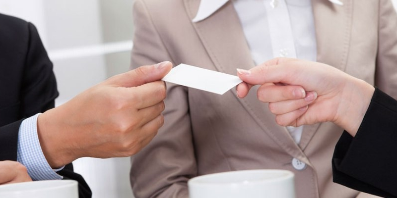 Know the do's and don'ts of business card exchanges
