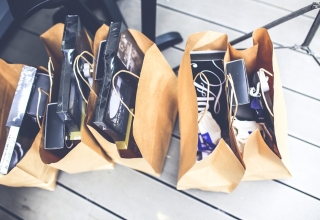 The Reasons Why Retail Businesses Love Bespoke Paper Bags